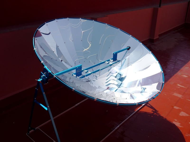 Alsol 1 4 cocina solar parab lica 1800 wp 140 cm aluminio for Planos para cocina solar parabolica