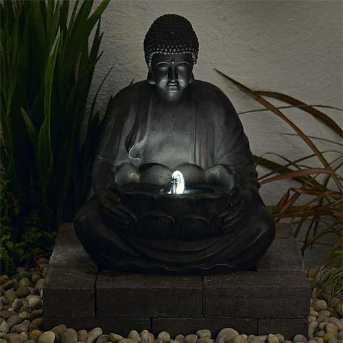 Fuente solar buda de resina con luz de led tfv solar for Budas grandes para jardin