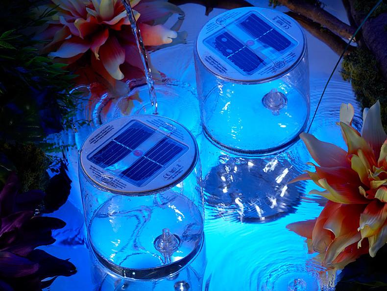 Flotador para piscinas con luz de led blanca y panel solar for Lamparas para piscinas