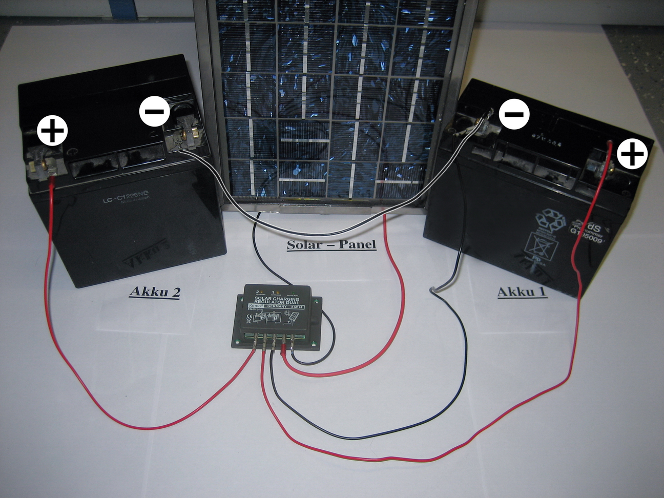 Regulador carga solar 16 a para una o dos bater as 12v for Baterias de placas solares